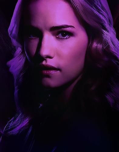 Dare me season 1 poster